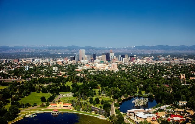 denver cityscape with mountains