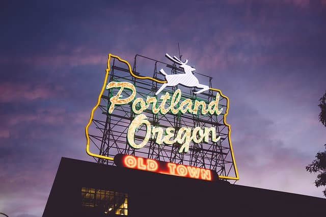 portland oregon white stag sign